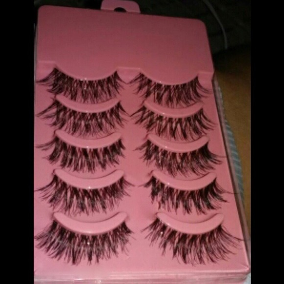 0fd47925b7d Makeup | 5 Pack Demi Wispy Lashes | Poshmark